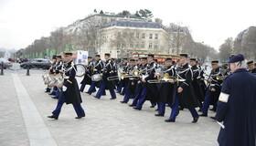 Dépôt de gerbe par Son Excellence Monsieur l'ambassadeur de Grèce en France